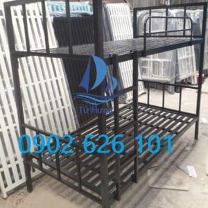 Giường tầng sắt vuông giá 1.300.000 VNĐ
