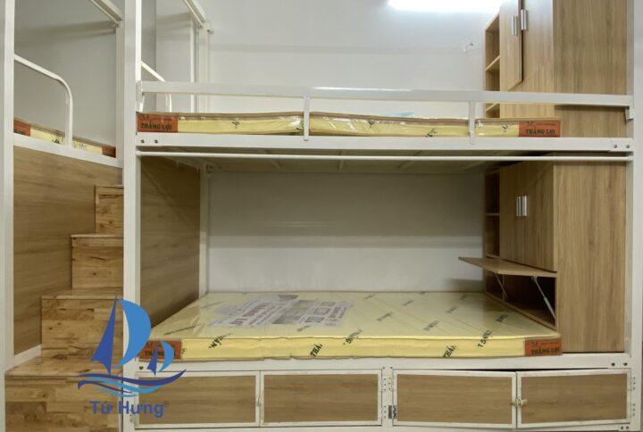 Giường tầng sắt có bộ khung treo rèm, Giường Tầng Có Thanh Treo Rèm